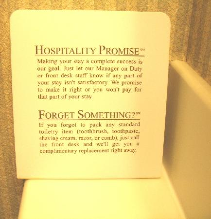 Holiday Inn Westbury: Hospitality Promise Sign