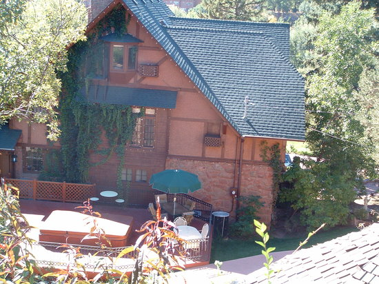 Bed and Breakfast at Historic Onaledge