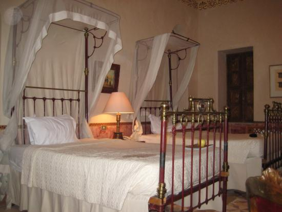 Al Moudira Hotel : Beds in Room 29