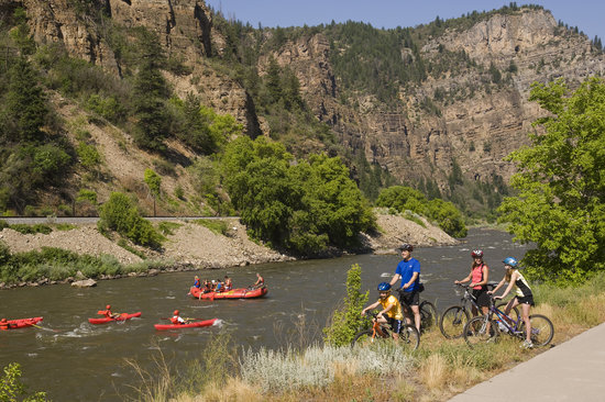 Glenwood Springs, : Glenwood Canyon Recreation Path - 16 miles one way!