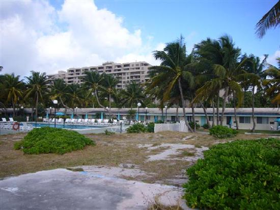 Silver Sands Beach Resort: The remains of the sand bar