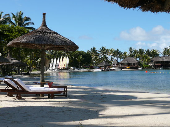 One&amp;Only Le Saint Geran: lagoon side