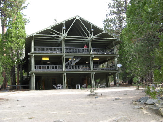 Cedar Grove Lodge: outside view
