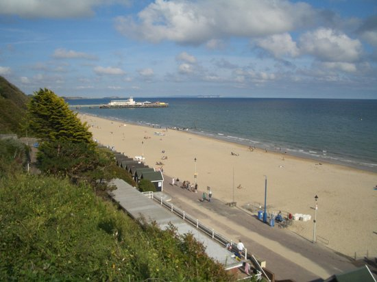 Bournemouth, UK: Beach 3 minutes away