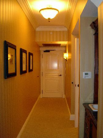 The Grand Del Mar: The Entryway