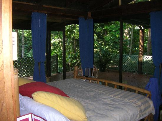 Wait a While in the Daintree: Main Bedroom