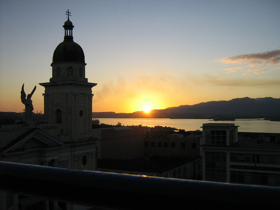 Santiago de Cuba, Cuba: Sunset from the hotel