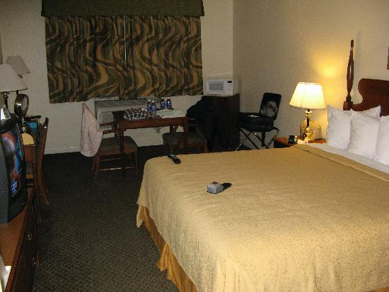 Quality Inn Tulare: Our room at Quality Inn