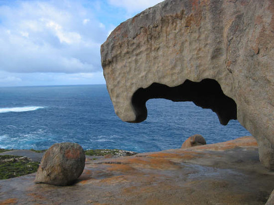 Kenguruya, Australia: a piece of remarkable rock