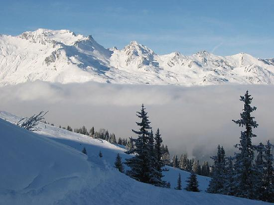 http://media-cdn.tripadvisor.com/media/photo-s/01/0b/aa/54/skiing-above-the-clouds.jpg