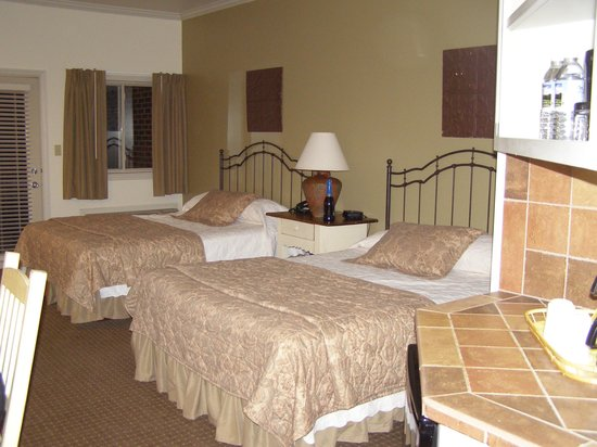 Eagle Rock Resort: Double beds