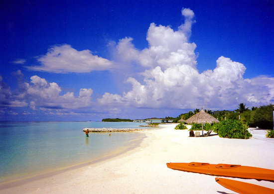 Nord-Male-Atoll: Full Moon Beach Resort April 97