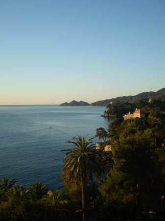 Rapallo, İtalya: vista dalla camera n° 519