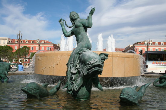 Nice, France : the fountain