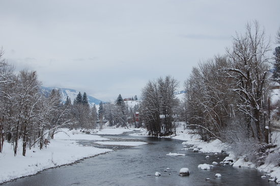 Winthrop, WA: snow along the river