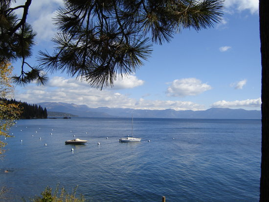 Tahoe City, CA: the view from our room!