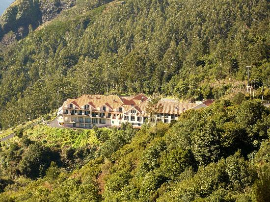 Estalagem Encumeada: The hotel as seen from the mountain top.