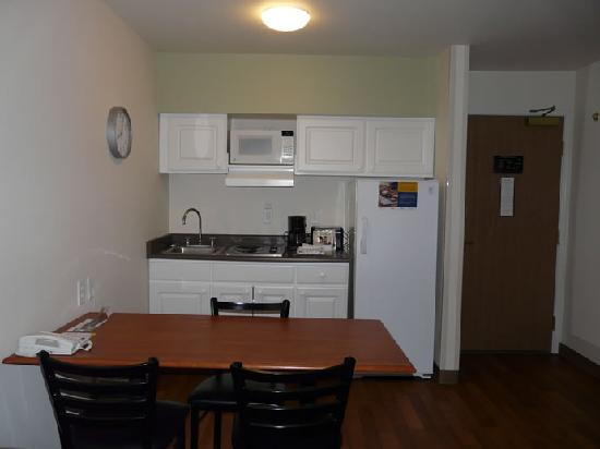 Extended Stay America - Anchorage - Midtown: Nice Little Kitchen