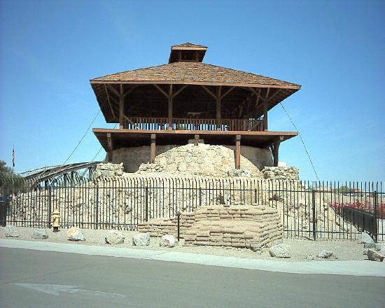 Yuma, : Lookout tower on water cistern