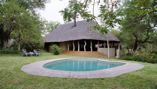 ‪Kwenga Safari Lodge‬
