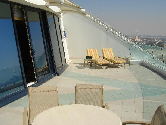 Balcony picture of jumeirah beach hotel dubai tripadvisor for Hotels with balconies