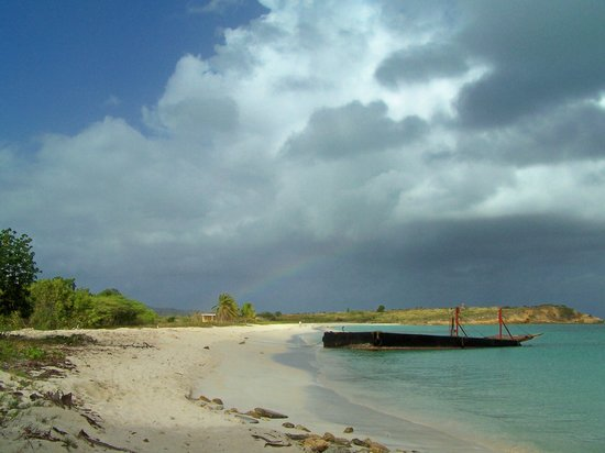 Antigua and Barbuda: Runaway Beach