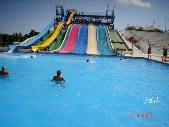Playa de Muro, Spain: 2 out of the 5 sets of slides at the Hidropark