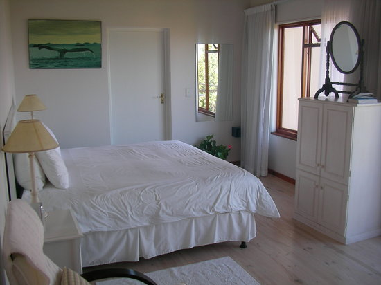 Panoramic Blue B&amp;B: beautiful room!
