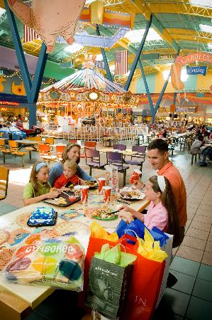 Birthday party in the food court at Concord Mills Mall: From Review: Concord