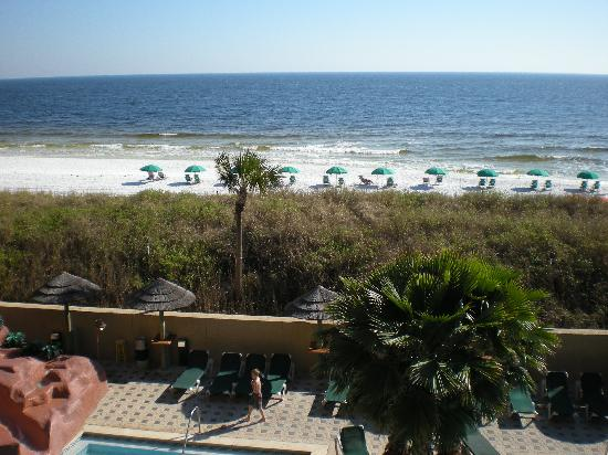 Pool And Beach Picture Of Wyndham Garden Fort Walton Beach Destin Fort Walton Beach Tripadvisor