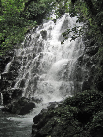 Taveuni, Fidschi: Vunivasa waterfall from tour