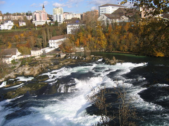 Schaffhausen, Zwitserland: Bird&#39;s eye view of Rhinefall
