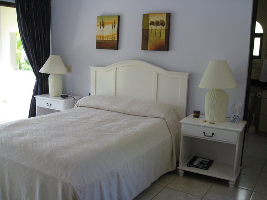 Villas Hermosas: View of Master Suite