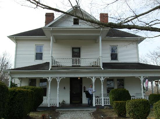 Photo of The Thompson House Bed and Breakfast at Harmony Hills Mount Airy