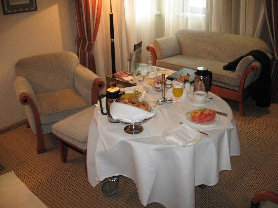 Kempinski Hotel Corvinus Budapest: breakfast