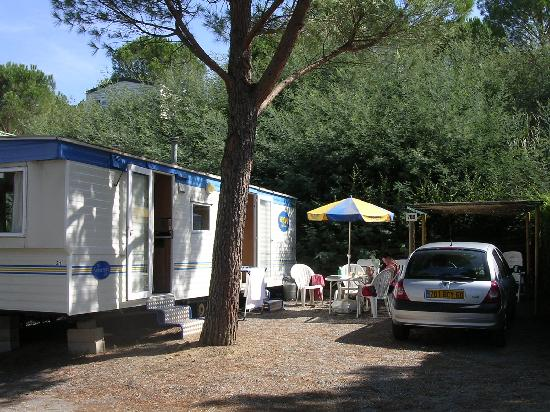 La Mole, Frankrike: The caravan on the site