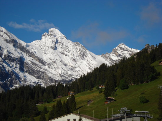 Mrren, svire: Murren with Alps