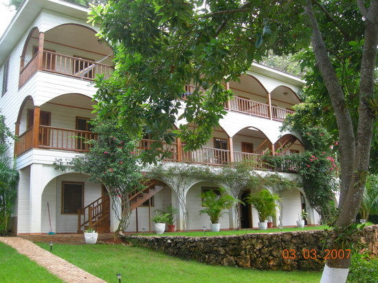 The Colibri Hill Resort