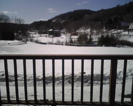 Fairbanks Inn: View from the Porch