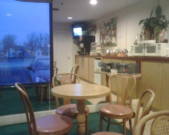 Homestyle Inn & Suites: dining area