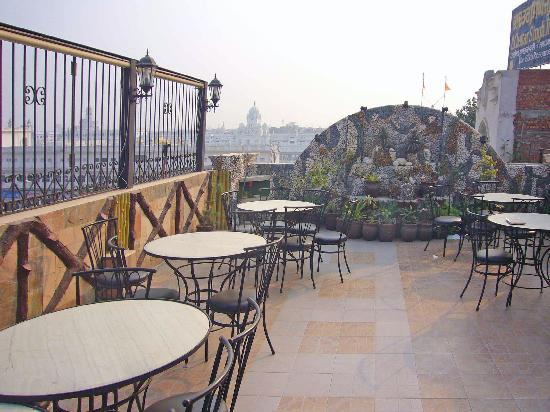 Golden temple from restaurant picture of hotel le golden for 211 roof terrace cafe