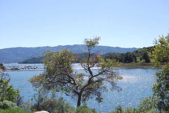 Ojai, Californien: Nearby Lake Casitas