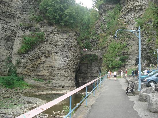 Hickory Hill Family Camping Resort: Watkins Glen State Park Entrance