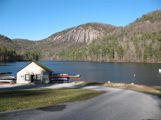 Wyndham Resort at Fairfield Sapphire Valley: Great lake for boating & fishing