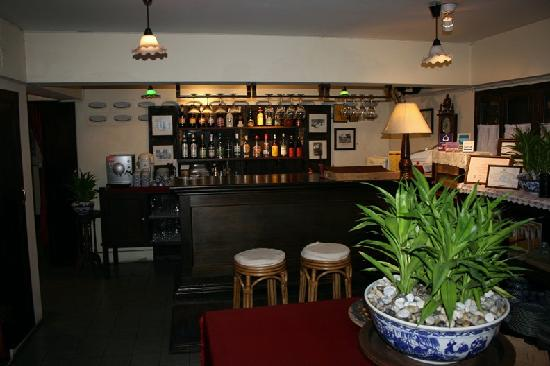 Tri Yaan Na Ros Colonial House: Dining Room and Bar