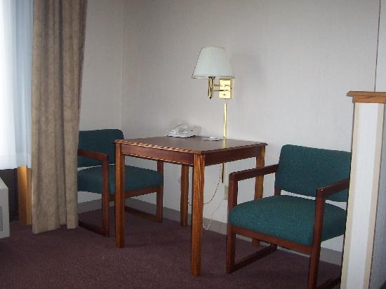 Comfort Suites: right side of sitting area-good games table