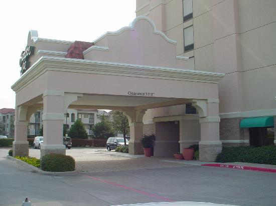 Hampton Inn Dallas / Irving / Las Colinas: outside