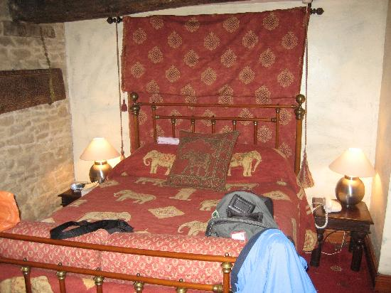 The Angel at Burford: Our bed