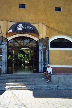 Masaya, Nicaragua: entrance to casa catarina