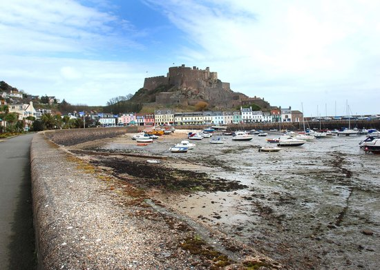 St Helier, UK: Gorey castle
